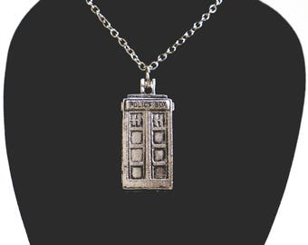 Dr. Who TARDIS Necklace, TARDIS Necklace, TARDIS Police Box Necklace, Doctor Who Necklace, Tardis Charm Necklace, Police Box Necklace