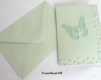 5 Light Green Envelopes and 5 Cards with Green Butterfly