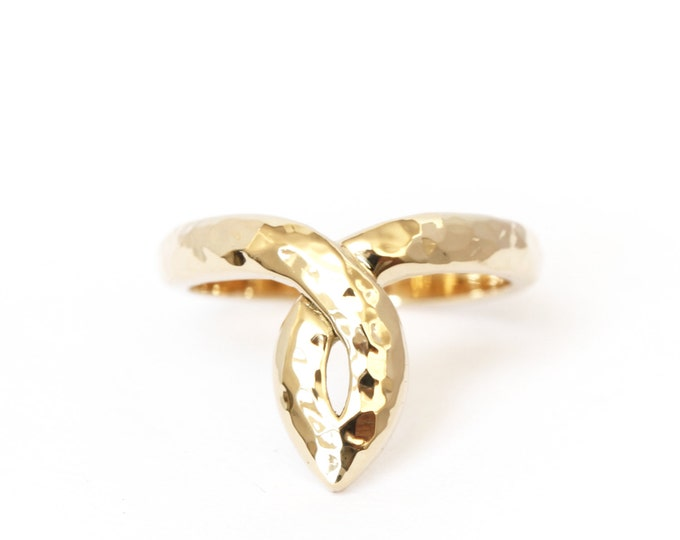 Statement ring in 18ct yellow gold - hammered texture - antic pattern - rose gold - white gold