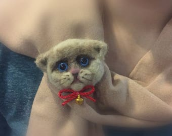 Felted cat- a scarf accessorize
