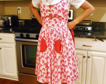 Retro Apron with Pockets, Vintage Style Pink and Red Apron with Peter Pan Collar and Cherry Buttons