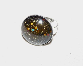 Adjustable silver ring and black painted cabochon with glitter