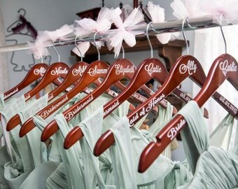 personalized bridesmaid hanger - wedding party hanger - bride hanger - custom vinyl hanger - mrs hanger - maid of honor hanger