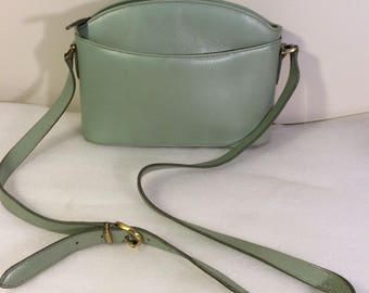 Vintage Classic Coach leather bag