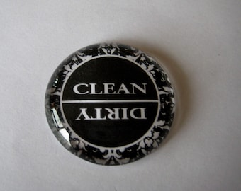 Black and White Clean/Dirty Dishwasher Round Glass Magnet