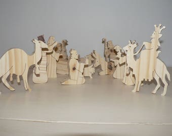 Set of 13 subjects of the Nativity scene cut pine