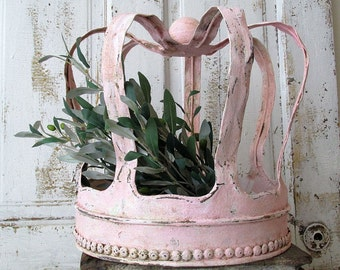 Huge metal crown hand cut sculpture shabby cottage chic pink distressed table decoration centerpiece home decor anita spero design