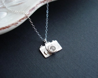 Small Silver Camera Necklace Photographer Gift For Her Photo Camera Pendant Traveler Gift Silver Necklace Simple Everyday Jewelry Minimalist