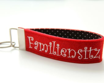 """Key Band """"Family Seat"""" red"""