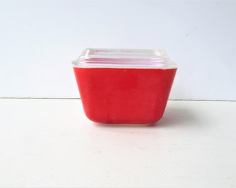 One Pyrex Refrigerator Dish - Red - 501 with lid. Pyrex Fridgie - Mid Century Kitchen - Red Fridgie - Red Pyrex Refrigerator Dish -