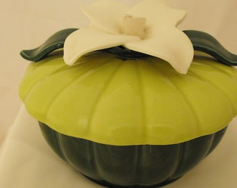 CLEARANCE - VTG Candy Dish Dark Green Bottom Pea Green Top with White Flower  (289)