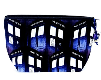 Gusseted Zipper NOTIONS POUCH with zipper pull - Doctor Who TARDIS