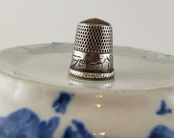 Vintage Simons Bros thimble size 10 buildings and houses Initial L etching sewing thimble Gift for her sewing notion OZ2725