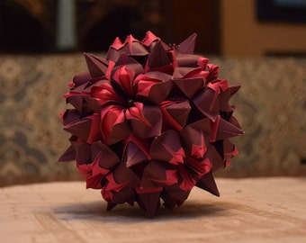 Origami Bascetta with five flower petals