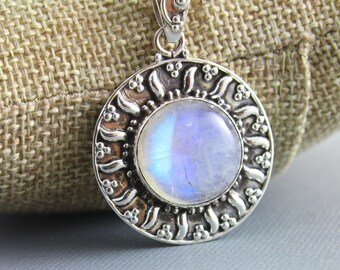 Rainbow Moonstone Pendant, 925 sterling silver pendant, Silver Pendant, Pendant for Necklace, Rainobow Moonstone, Artisan Pendant, (SP-7001)