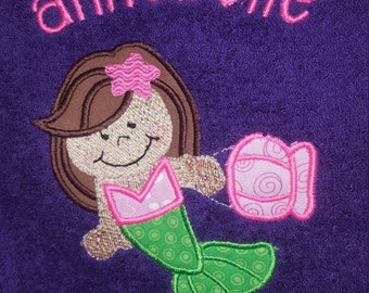 Personalized Mermaid hooded towel, Mermaid towel, hooded towel, embroidered hooded towel, personalized hooded towel, applique mermaid towel,