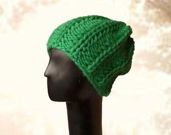 Super Chunky Beanie, Winter Hat, Womens Beanie Hat, Hand Knit Beanie, Chunky Beanie, Green Hat