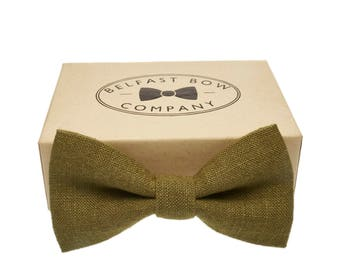 Irish Linen Bow Tie in Moss Green