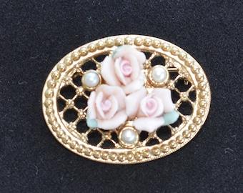 "Delicate Vintage Pink Floral Porcelain Rose, Faux Pearl Brooch, Gold tone, ""1928) (AB4)"