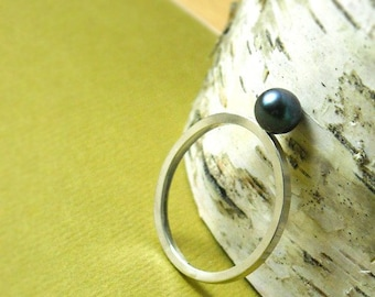 Modern Peacock Pearl Ring- Free Shipping