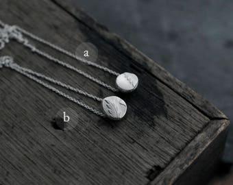 Victorian pebble stone silver pendant necklace