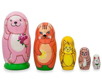 """4.25"""" Set of 5 Cats and Kitties Wooden Nesting Dolls"""