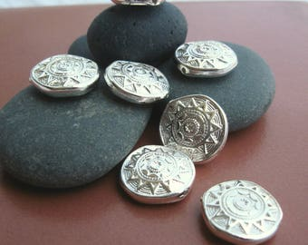Vintage 18mm Tribal Sun Disc Beads in Silver. 8pcs.