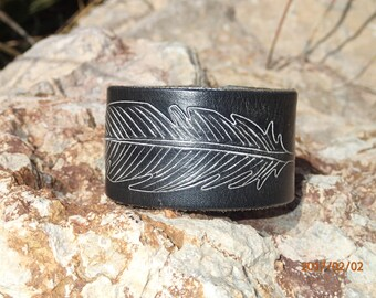 white feather cuff/black leather cuff/leather bracelet/upcycled leather cuff/womens bracelet/girls cuff/leather jewelry/tribal cuff/C223