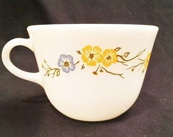 Pyrex Flirtation patterned cup