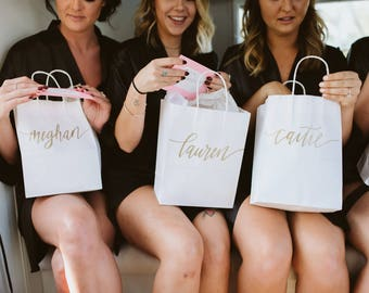 Custom gift bags + MEDIUM Wedding gift bags + Bridal shower gift bag + Bachelorette Party bags + Welcome Bags / Handwritten