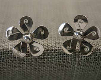Sterling Silver Flower Stud Earrings - Medium Size for Women - Sleek Botanical Earrings