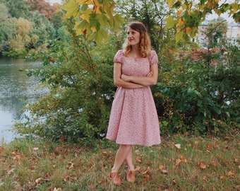 The Sarah Dress in Pink ditsy