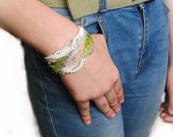 White Beadwork Freeform Bracelet, OOAK Beaded jewelry, Bohemian seed beads bracelet, Unique Beadweaving Bracelet, green birch leaves