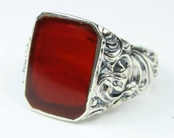 Elegant Sterling Silver Carnelian Ring  Size: R  - 8 1/2