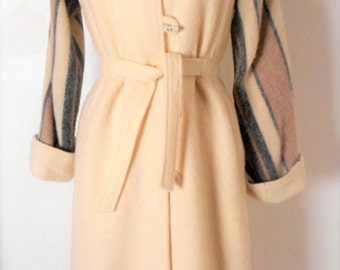 Vintage 1970s American Bazaar Cream/Gray/Beige Belted Wool Blanket Coat Size M