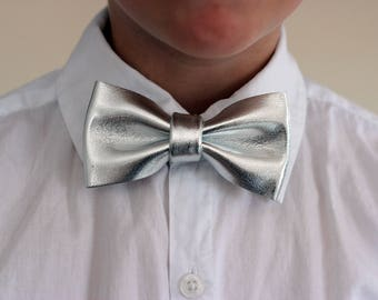 Boys silver leather bow tie for toddlers, silver wedding bow tie, boys bowtie, silver bow tie, wedding bow tie, toddler bow tie, boys bowtie