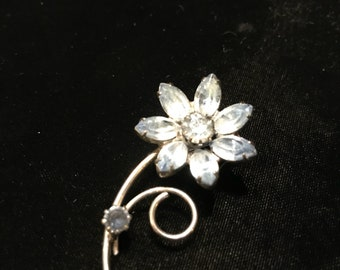 Vintage Silver tone blue glass floral pin.