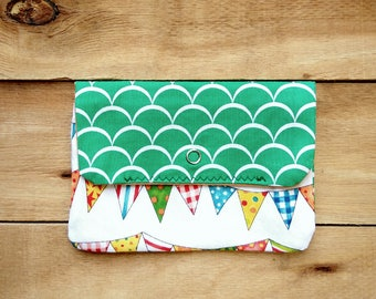 Makeup bag, travel pouch, clutch purse, wreath pouch, toiletry bag, organize bag, cosmetic bag, gifts for her, gifts for woman, girl gifts