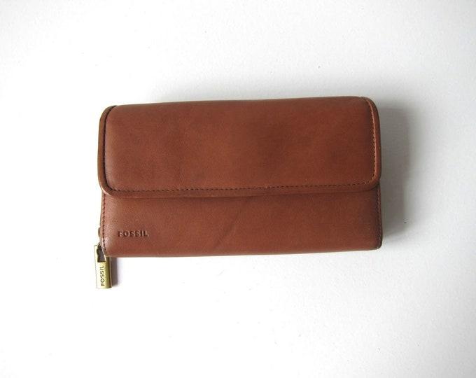 Leather Fossil Wallet Supple Brown Leather Billfold Hand Wallet Clutch 90s Vintage Designer Checkbook Women's Coin Purse