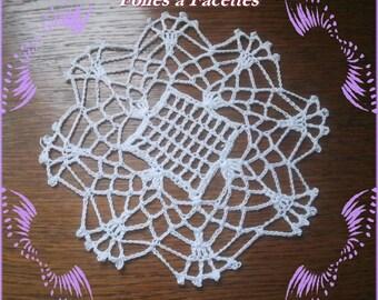White checkered cotton crochet round doily