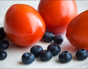 Tomatoes and Blueberries on a Plate (Set of 8 Note Cards)