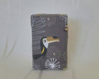 Cigarette case Box of 20, toucan on brown ground, the ideal companion for every smoker, handmade, unique, cotton, Art.Nr. 7008