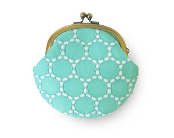 Metal frame coin purse // Turquoise Circle Lace