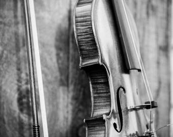 Rustic Country Violin and Bow Old School Black and White Digital Download