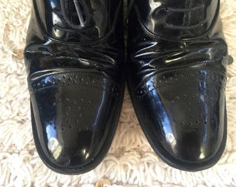 Vintage CHANEL CC Logo Black Patent Leather Oxford Heels Lace up Shoes eu 39.5 us 8.5 - 9