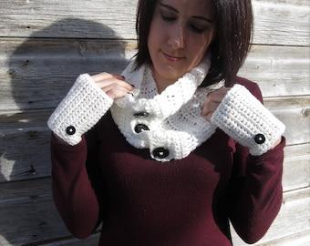 White scarf and gloves gift set/ elegant crochet bridal infinity scarf/ wedding scarf and fingerless gloves/ stocking stuffer/ self gift