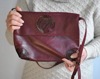 Vintage MESSENGER LEATHER BAG...........(555)