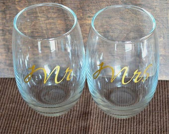 Mr & Mrs Stemless Gold Wine Glass Set | Engagement Gift, Wedding Gift, Anniversary Gift, His and Hers