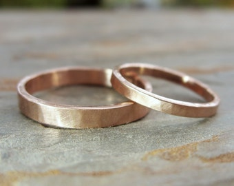 Hammered Matching Wedding Band Set in Solid 14k Yellow or Rose Gold - Flat Bands in 2mm and 3mm - Choose Polished or Matte Finish
