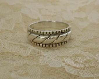 Vintage Sterling Silver Band Ring 925 NF Size 9 Nickel Free